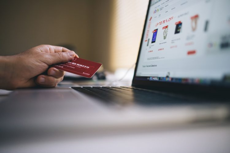 Is it Wise to Have Many Different Credit Cards?